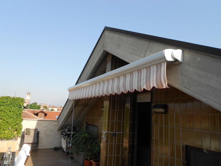 Tenda da sole con cassonetto a bracci estensibili 300X200