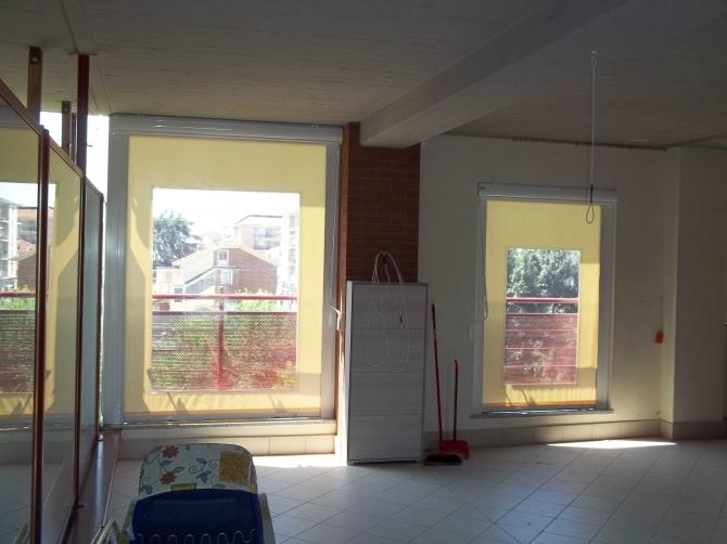 Tenda veranda invernale con motore elettronico e finestra in cristal trasparente