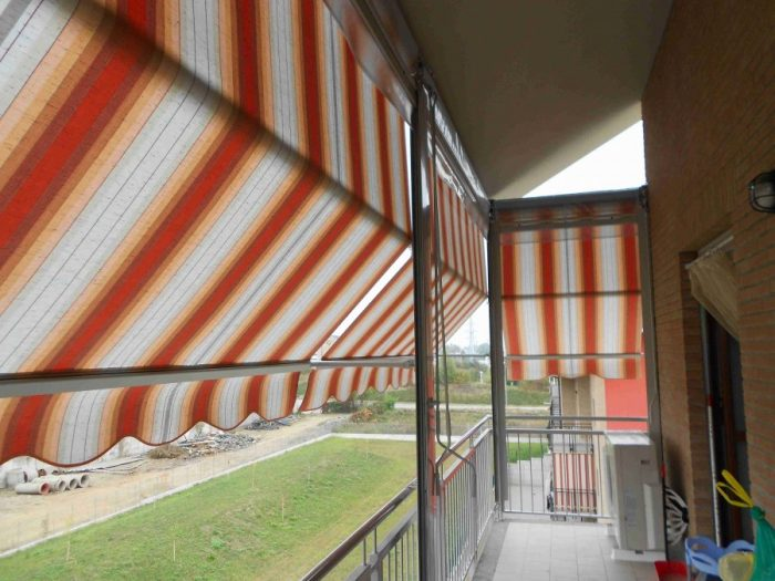 Tenda veranda con frangivento 07