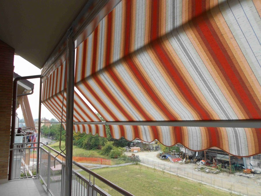 Tenda veranda con frangivento 08
