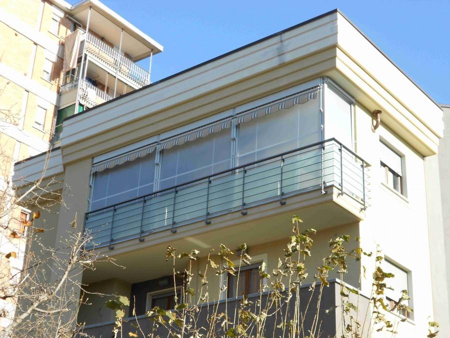 Tenda veranda con frangivento 13