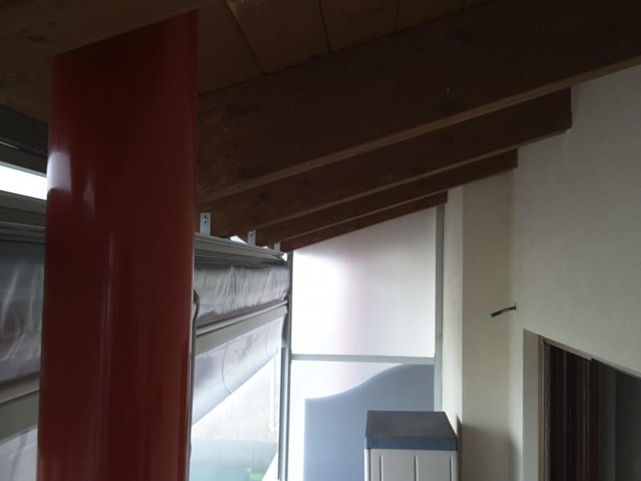 Tenda veranda e travi di legno 02